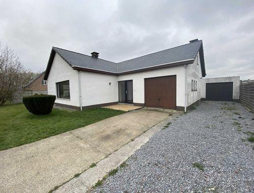 Maison à vendre à Budingen, € 120.000