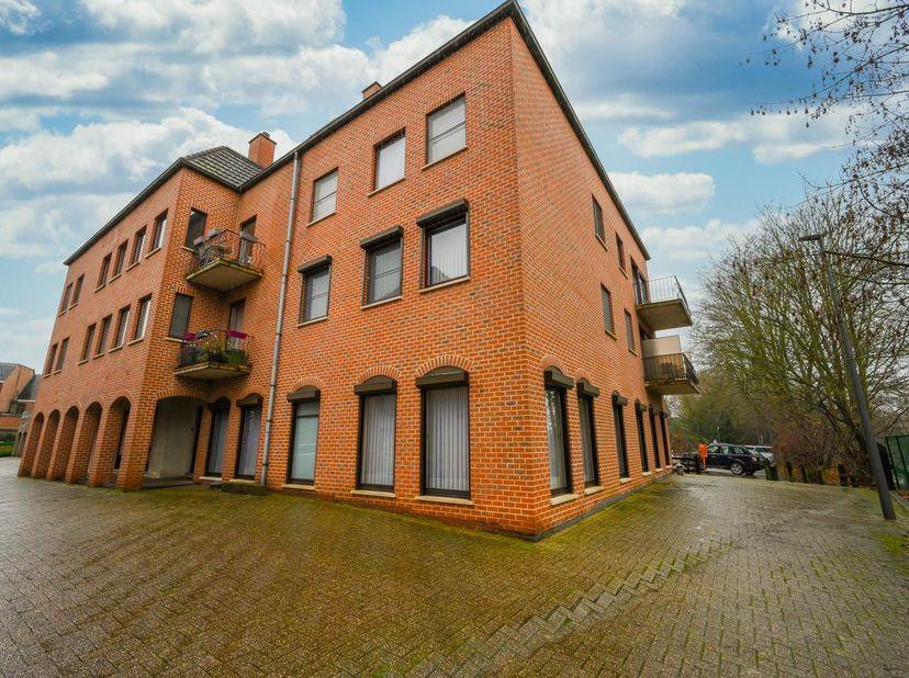 GELIJKVLOERS APPARTEMENT<br /> Gelijkvloers appartement B3 met kelder K25 en garage G33 te Aarschot, Brouwerijstraat 2/2 in residentie Den Drossaerd.<