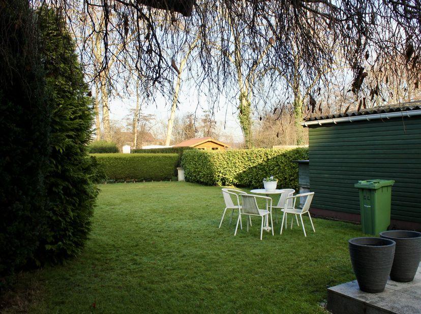 Bent U op zoek naar een fijne woning in een leuke buurt, vlakbij de bruisende stad Hasselt, in een groene omgeving? Dan is dit misschien de plek voor