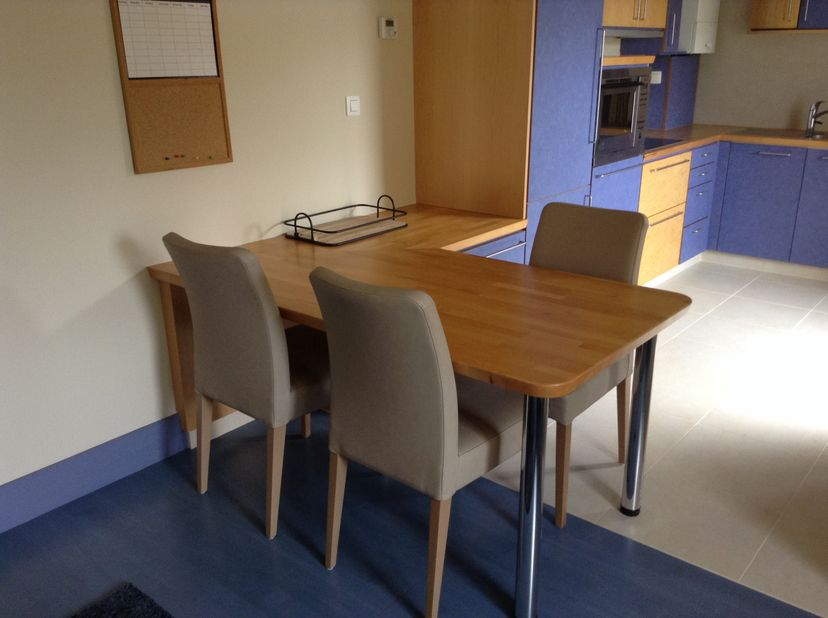 Gezellig en zeer proper gemeubeld appartement voor 1 of 2 personen,<br /> Zeer rustig gelegen vlak naast het park. Huurovereenkomst mogelijk vanaf 6 m