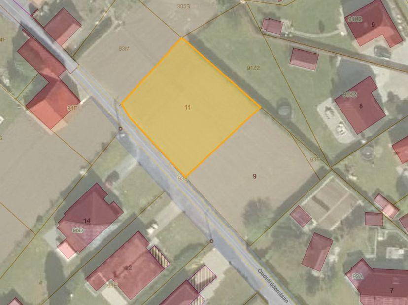 Rustig gelegen percelen bouwgronden met een kadastrale oppervlakte van 574 m² (Lot1, 172.000 EUR) en 640 m² (Lot 2 en 4, 186.000 EUR).  Deze percelen