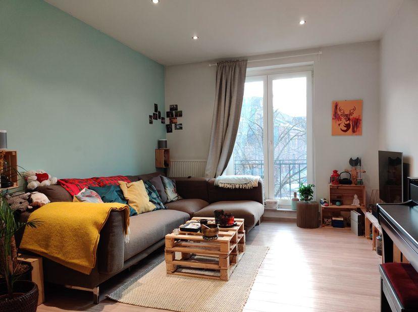 Visite virtuelle : ICI<br /> Quartier La Chasse; magnifique appartement confortable et meublé de 75m² au deuxième étage d'un
