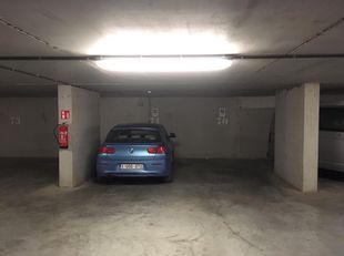 Ondergrondse parkeerplaats in centrum gent. Geen lift. Direct beschikbaar.