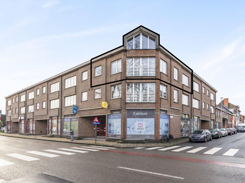 Ideaal gelegen duplex appartement in Mariakerke met prachtig uitzicht!!!<br /> <br /> Geen immo. Dit duplex appartement met mobiscore 9/10 is gelegen