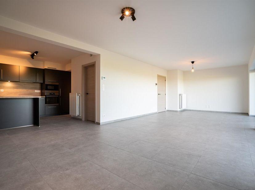 Zeer mooi nieuwbouw appartement met 2 slaapkamers en garage