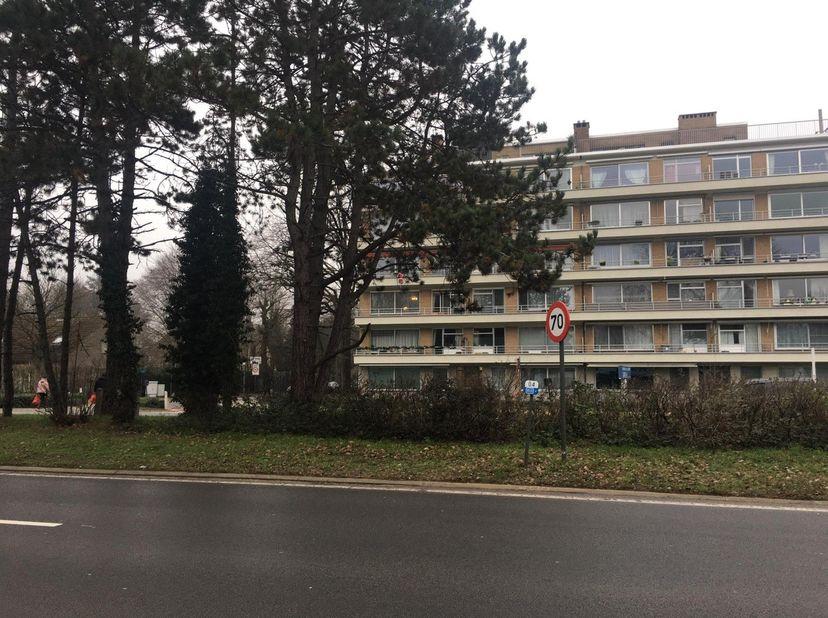 Ondergrondse autostaanplaats te huur in appartementencomplex De Hooge Locht ter hoogte van kruispunt Kempenlaan (ring) en Gierledreef in Turnhout.<br