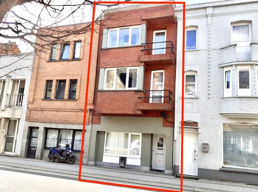 Goedgelegenwoning met 3slaapkamers en een stadstuintje in Kieldrecht.<br /> <br /> Deze woning is gelegenin centrum Kieldrecht op wandelafstand va