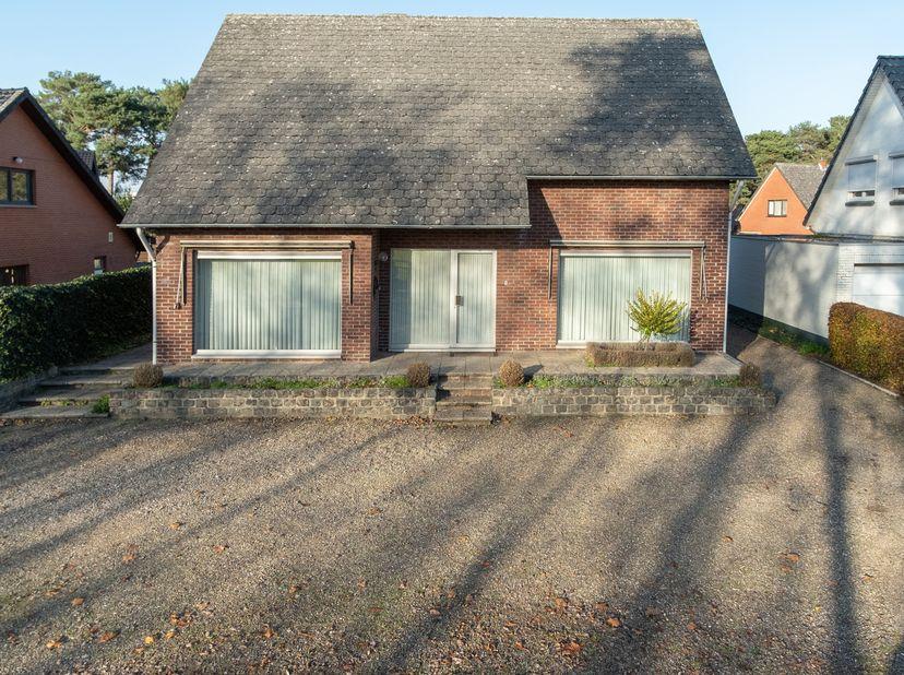 Maison à vendre                     à 3930 Achel