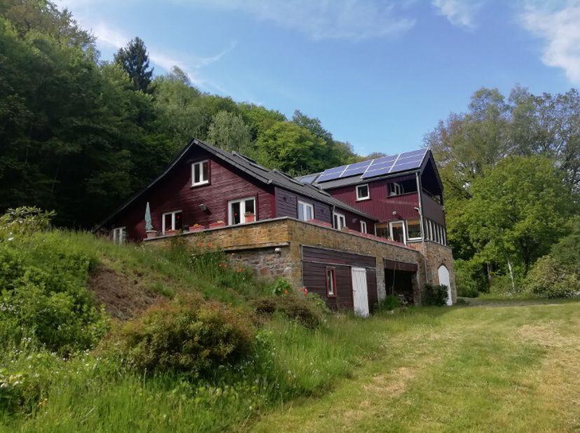 Uitzonderlijke eigendom van 9ha88 met adembenemend uitzicht!<br /> 6 km van La Roche-en-Ardenne, uitzonderlijke eigendom in perfecte staat omringd doo
