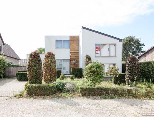 Woning te koop in Guigoven, € 265.000