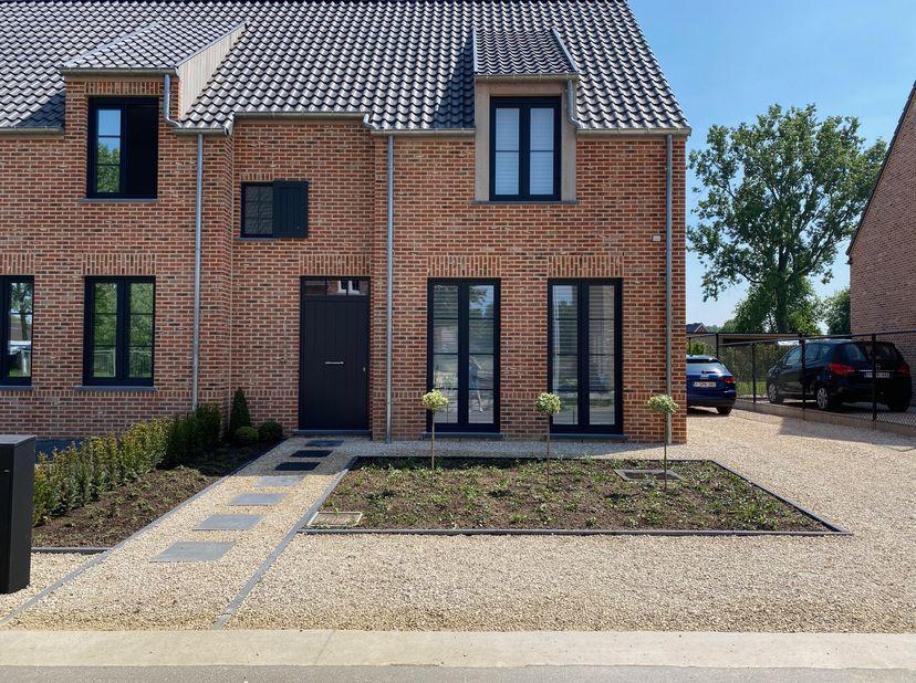 Mooie landelijke woning in Wijer<br /> <br /> Op enkele minuten van Nieuwerkerken centrum vinden we deze energiezuinige nieuwbouwwoning terug op een p