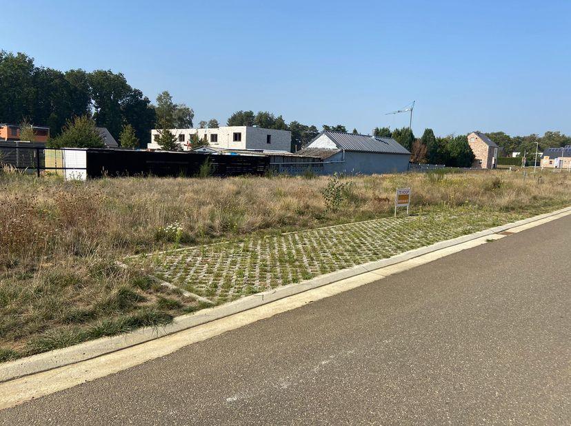 "Lot 44: verkaveling Helderbeekstraat te Koersel – Grond ""Op de Schrikheide""<br /> Bebouwing: open<br /> Grond opp.: 5a66 <br /> Perceel breedte: 15.00"