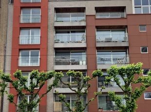 Prachtig 2 slk-appt op TOPLIGGING, nieuwbouw 2012 (prima staat & afwerking). Uitstekende Mobiscore 9.8/10 !! Op wandelafstand van stadscentrum Gent. P